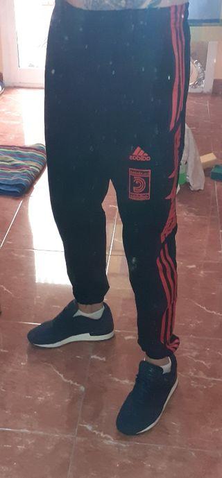 Pantalones Yeezy Calabasas
