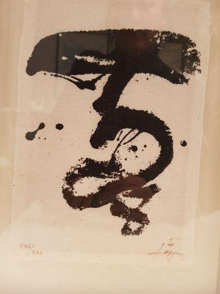Serigrafía sobre tela de Antoni Tápies