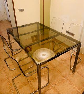 Vendo mesa de vidrio marrón con 4 sillas ikea