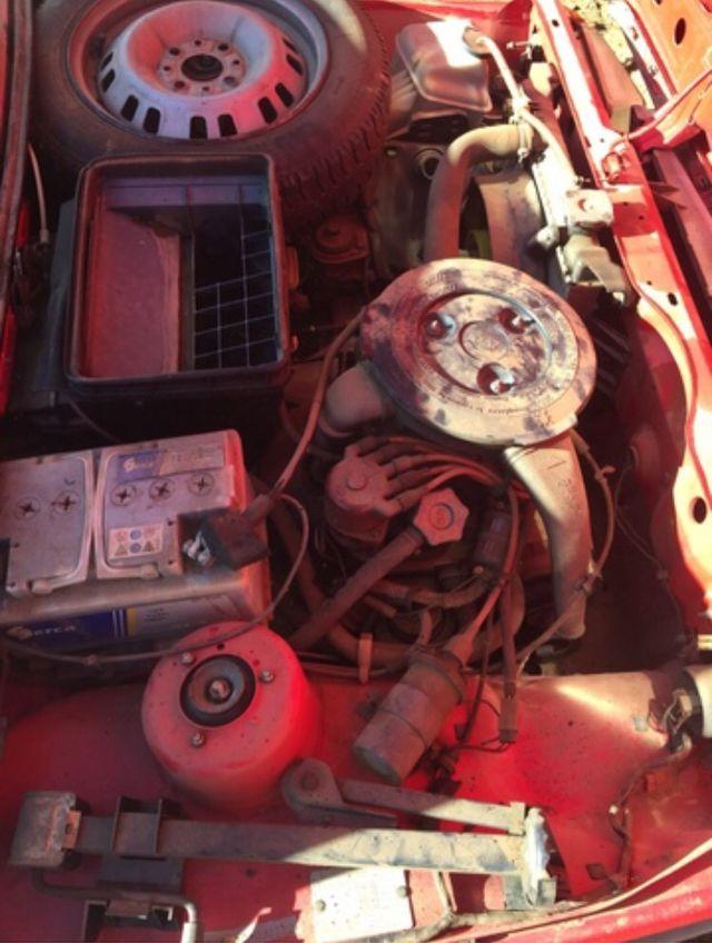 SEAT 127 Fura 1985 mando vídeo arrancado