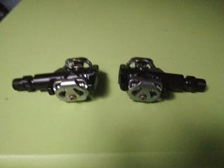 pedales automáticos Btwin