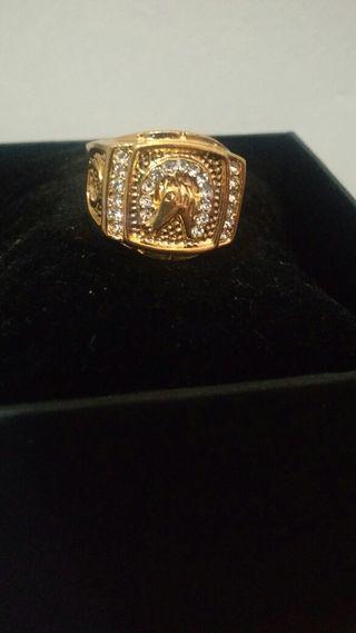 anillo color oro nuevo