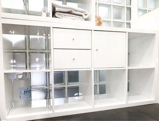 Estantería Kallax IKEA (con accesorios)