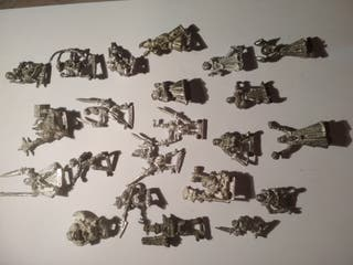 Figuras Warhammer y otras