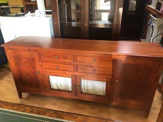 Mueble aparador en madera impecable