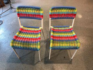 2 sillas de niño Fargglad del Ikea