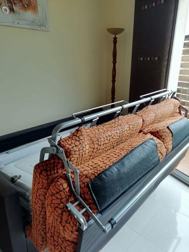 Sofá/ Cama de segunda mano por 350 € en Pineda de Mar en ...
