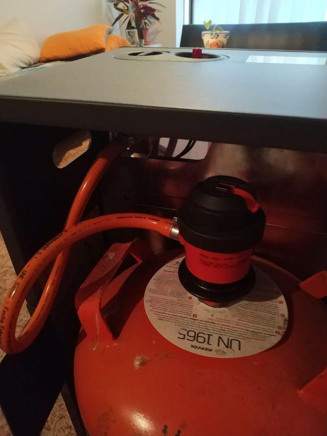 Estufa de gas, 3 meses de uso