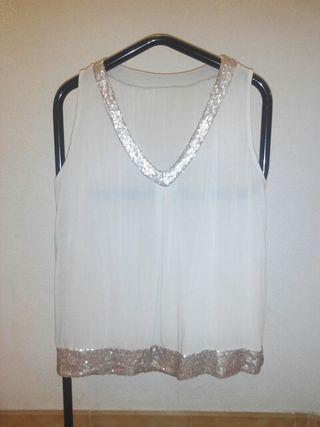Blusa marfil con lentejuelas. Talla única