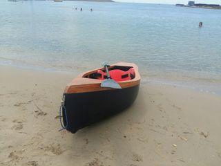 preciosa canoa de madera