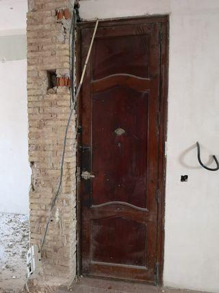 02 Puerta ventana mobila madera antigua entrada
