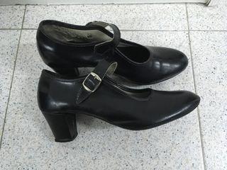 Zapatos de baile con tacón. Núm.38