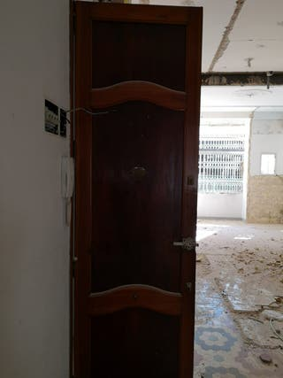 08 Puerta ventana mobila madera antigua entrada