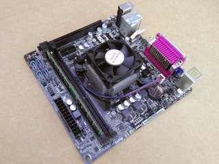 Placa AM1 ASrock AM1B-ITX + Sempron 3850 Quad-Core