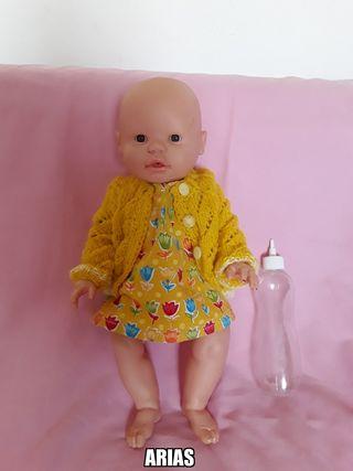muñeca ARIAS hace pis chaqueta hecha a mano