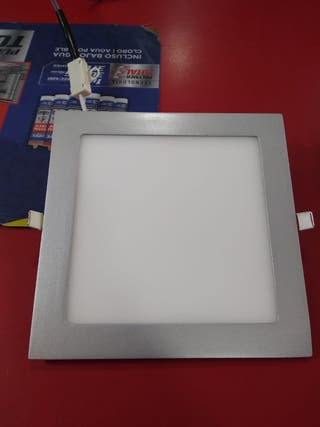 Foco led downlight cuadrado cromo