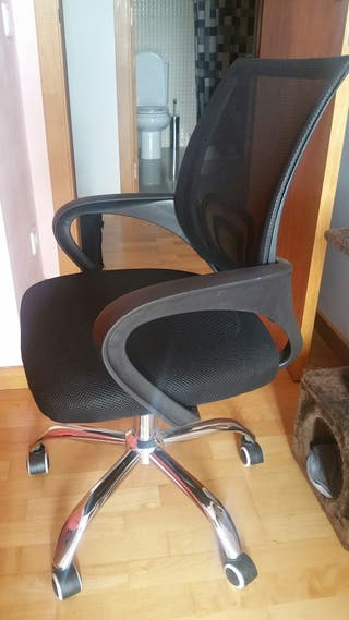 se vende mesa y silla oficina