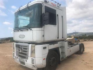 Tractora RENAULT MAGNUM 480