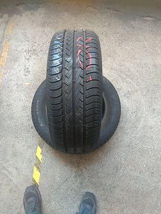 205 55 15 88V vendo neumáticos seminuevos al 99%