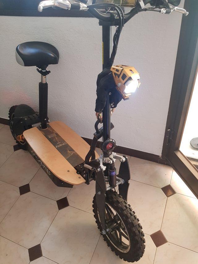 Stampida 2300W Scooter eléctrico sin escobillas