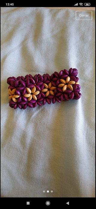 Pulsera morada flores