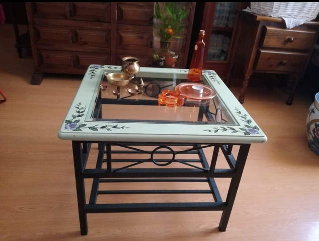 Mesa de Centro o Esquinera Vintage
