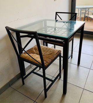 Mesa + 2 sillas Ikea