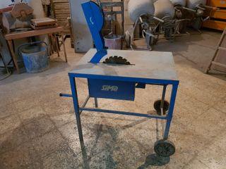 Mesa trifásica para cortar madera