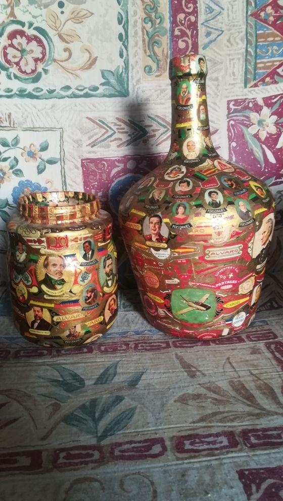 Antigua botella y tarro forrados de vitolas