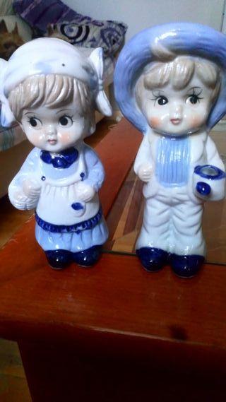 pareja de porcelana made in TAIWAN.