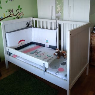 Cuna SUNDVIK IKEA blanca 60x120 cm
