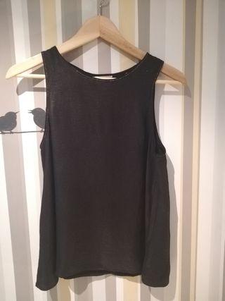 Camisa negra sin mangas Stradivarius
