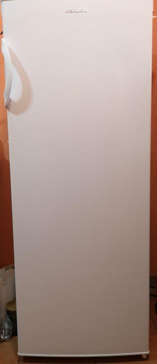 Congelador vertical 175 litros