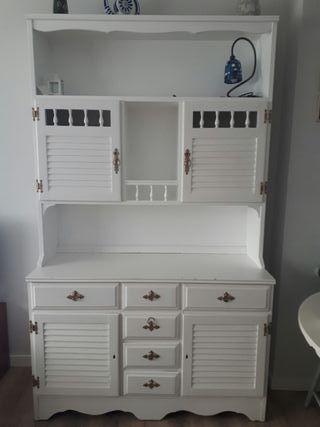 mueble blanco restaurado . chinero antiguo