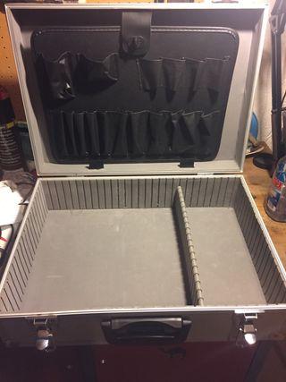 Maletín de herramientas de aluminio