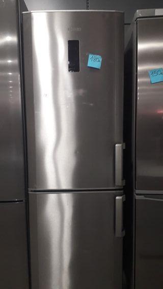 frigorifico combi Beko en inox