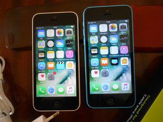 IPhone 5C blanco y azul