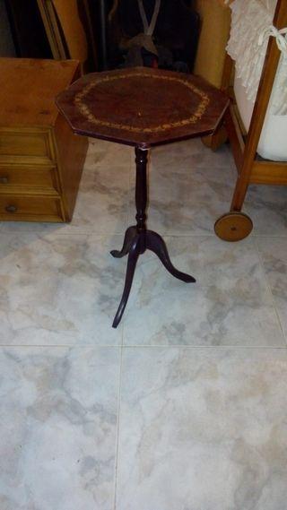 mesita, mesa pequeña