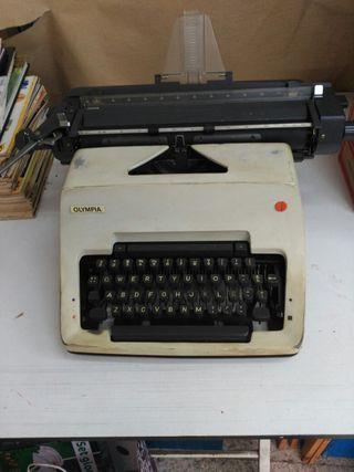 Maquina de escribir Olimpia