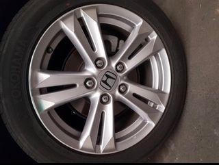 Llantas nuevas Honda de 16 pulgadas