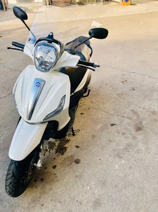 Moto Scooter Piaggio Beverly 125 IE