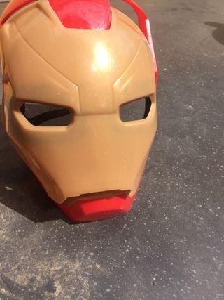 Mascara hombre de hierro