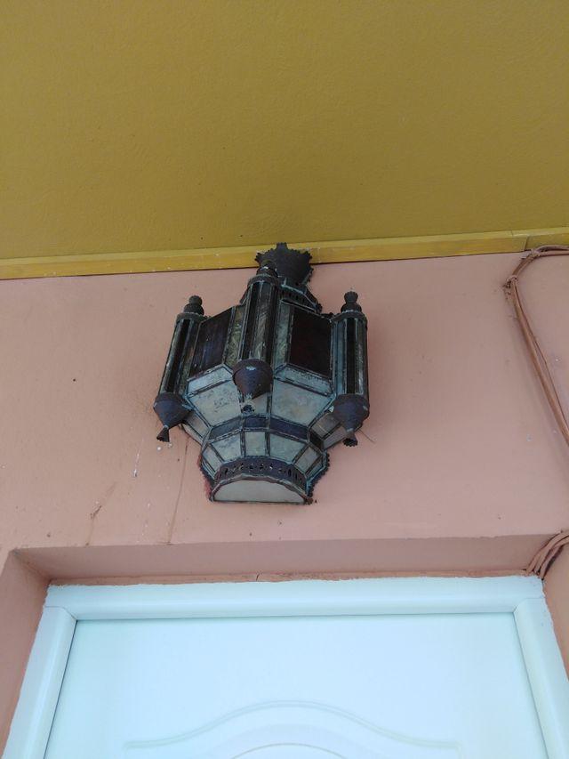 lámpara para la puerta de entrada