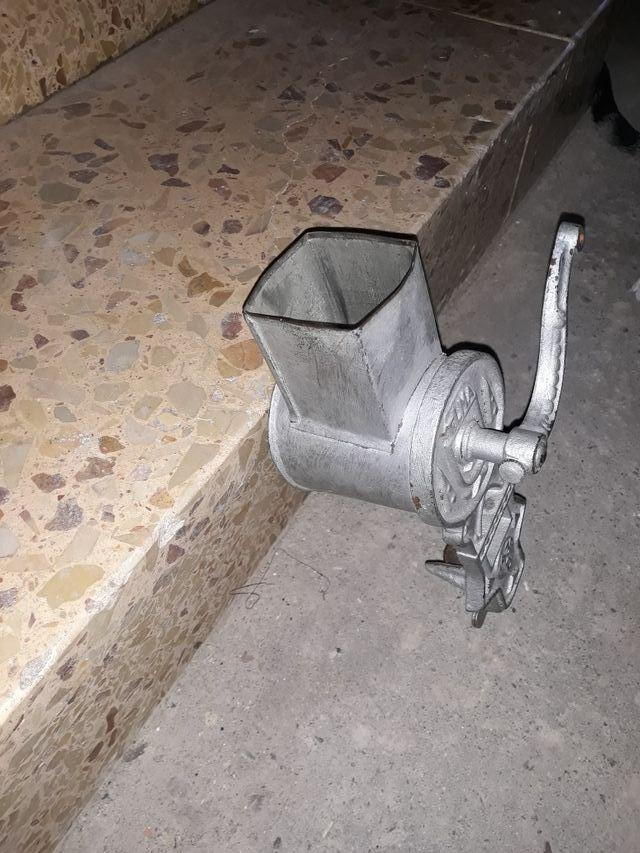vendo makina antigua rallador de pan