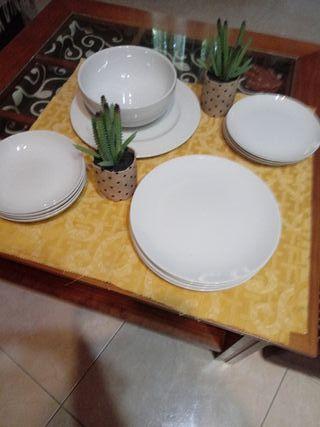 vajilla plato fuente, ensaladera,4 piezas de plat.
