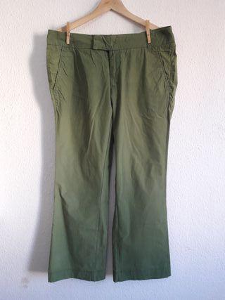 Pantalón ligero verde Bershka t 42 recto amplio