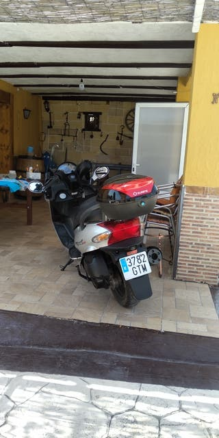 ofrezco moto 125cc