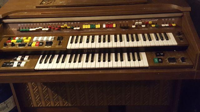 piano órgano vintage