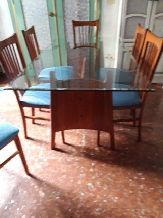 Mesa con 6 sillas de comedor