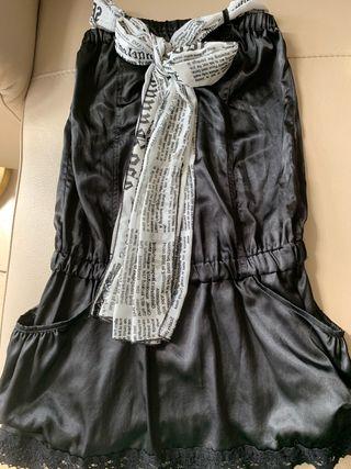 Vestido negro marca Denny Rose